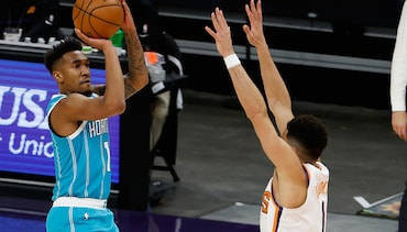 Hornets Rally From 17 Down, Get Huge Win in Phoenix